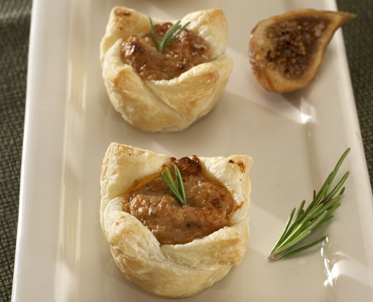 Petite Fig & Caramelized Onion Puff